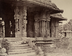 Beejanuggur. The temple of Vothoba. Enlarged view of the porch. [Close view of the Kalyana Mandapa of the Vitthala Temple, Vijayanagara.] 965164